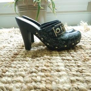 BCBGirls Black Floral Close Toe Heel - Size 5.5 B